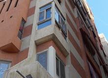 شقة مميزة جدا 120م 3غرف وريسبشن ومطبخ وحمام بالعجمى البيطاش شارع الفردى