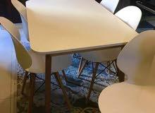 طاولات سفرة بألوان جذابة وراقيه