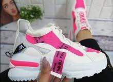 حذاء مستورد