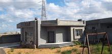 منزل جديد للبيع حي سكني ارض500م غرفتين وصالة فوقه الضغط اربع شوارع كهرباء200ألف