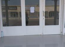 محلات للاجار في عمق بمكان يوجد فيه حركه تجاريه