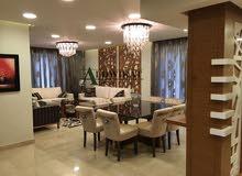 شقة طابق اخير مع روف دوبلكس مفروشة للبيع في ارقى مناطق عبدون مساحة البناء 400 م