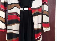 فستان اسود به رسومات هندسية جميل جدا وراقي مقاس XL