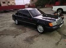 مرسيدس E200 1992