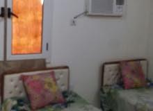 شقة غرفتين وصالة وحمامين ..حي الشاطئ .بري