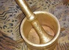 2 هون نحاس للبيع من سنة 1905 عمرهم حوالي 113 سنة يمكن استخدامة ديكور او تسيحة