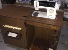ماكينة خياطة نوع اولمبيا ياباني اصلي مع طاولة خشب نوع ممتاز اخت الجديدة