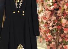 فستان للبيع جديد وشنطة عليها كرت