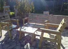 جلسات خشب علي حسب الطلب 4 كراسي وطاوله  600دينار