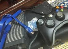 Xbox360 مستعمل مع يده وحده لا سلكي