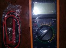 مقياس فولت امبير رقمي ذو مواصفات عالية