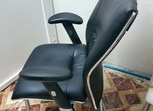 كرسي مكتبي ثابت مميز ومريح