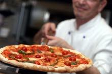 مطلوب عامل فرن لمطعم بيتزا في شمال الرياض