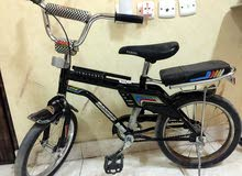 دراجه شبه جديده للاطفال من سن 6سنوات الى 10 سنوات