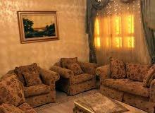 شقة راقية جدا مفروشة فرش ممتاز   والعمارة مولد ومصعد