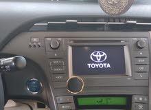 تويوتا بريوس لون ابيض لؤلؤي 2012