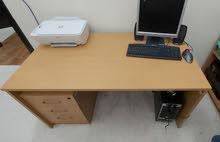 للبيع اثاث مكتبي مستعمل شبه جديد