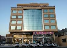 مبني تجاري فندقي علي شارع الأمير سلطان بجدة