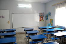 مدرسة خاصة في عمان بحاجة إلى معلمين وإداريين (ذكورا وإناثا)