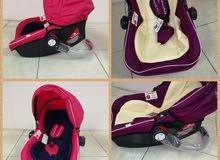 كرسي أطفال يستخدم للسيارة وشيال وهزاز