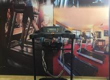 جهاز جري رياضي كامل الاضافات نوع world fitness