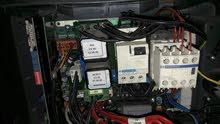 فني كهرباء صيانه ماكينات كهربا وهيدروليك  وتمديدات الشقق المنزليه كامله