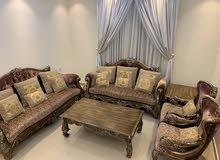 طقم جلوس مع 3 طاولات Living room set with 3 tables