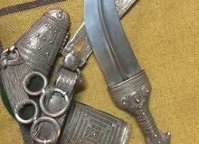 خنجر سعيديه من الطراز القديم تقدر عمرها من 70 الى 100 سنة للاستفسار التواصل ع الرقم 95229951