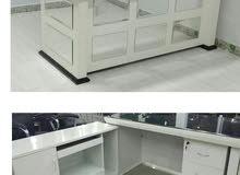 مكاتب ابيض زجاج اثاث مكتبي