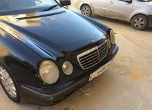 مرسيدس E200 كمبرسر2001