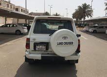 سيارة لاند كروزر للبيع