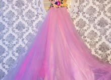 فستان خطبة وبزبط للمرافقة للإيجار