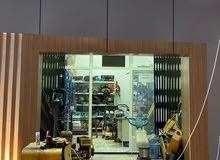 بحث عن موظف مسؤول عن محل تأجير معدات