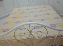 bed with matress very good condion
