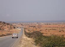 ارض 2500م علي البحر في توكره