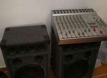 مكسر نوع Super E مع سماعتين بيونيير ووصلاته صوت قوي جدا يصلح للفرق او الدي جي
