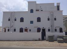 بناية في الخوض للايجار 15 غرفة تصلح لمدرسة او روضة