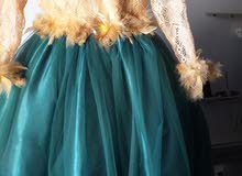 فستان للبيع 0918305410