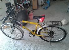 دراجة في حالة ممتازة 25 دينار وقابل