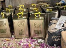 يوجد لدينا تنكة من الزيت الزيتون اصلي بعل، بكر، ومضمون إنتاج نهاية عام 2019 الثمن 50 دينار
