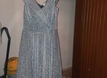 فستان نضيف ملبوس مرة واحدة