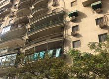 شقة 190م  فى السفارات عماره شيك على ناصيه - سوبر لوكس