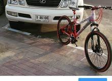 دراجة جبلية بمواصفات عالية خفيفة الوزن