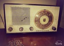 للبيع راديو قديم