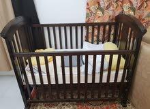 للبيع سرير للاطفال مع الدوشك