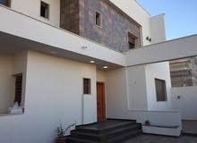 منزل للبيع في عين زارة 4 شوارع زويتة دورين وملحق بني 2014