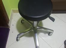 كرسي حلاقة جديد يصلح للنساء او الرجال فالصالون