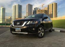 Nissan pathfinder SV 4 WD 2017