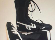 حذاء ملاكمة مقاس 42 فقط
