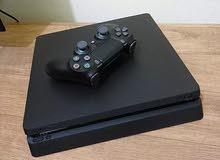PS4 500GB Slim بحالة ممتازة